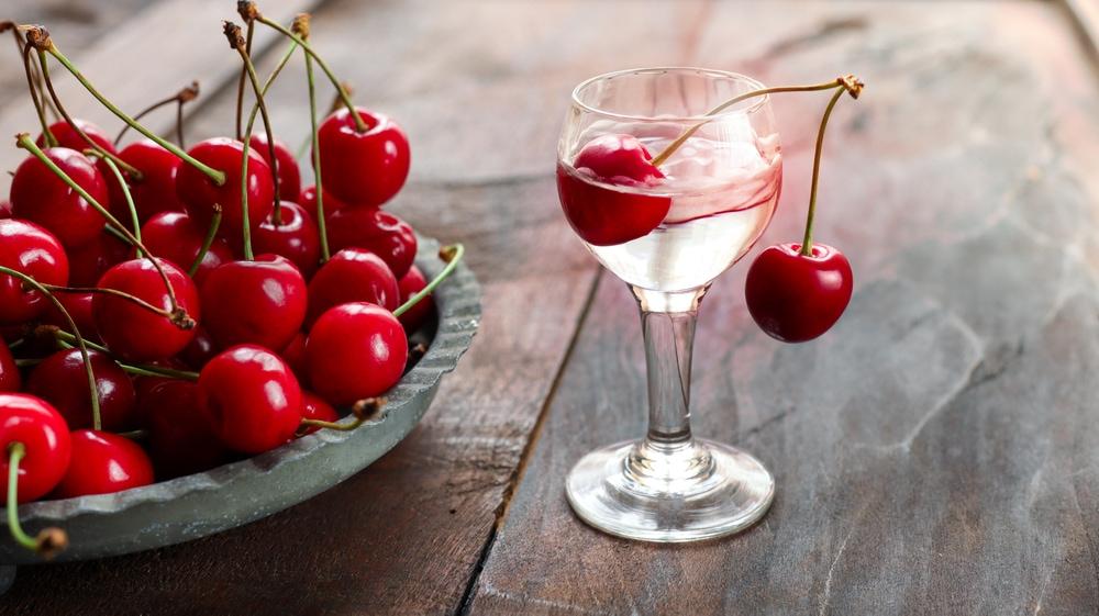 Kirsch with Cherry