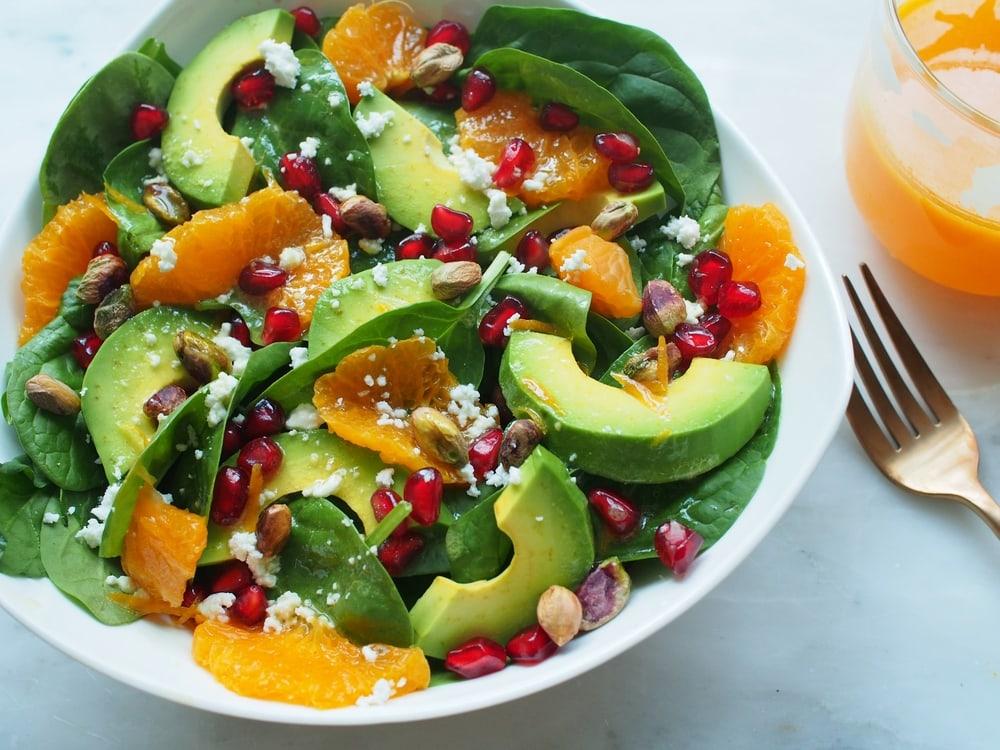 Spinach Salad With Avocado and Mandarin Oranges