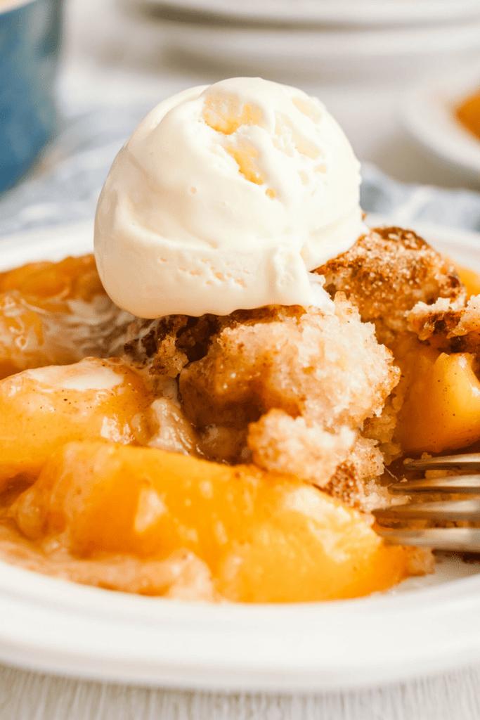 Bisquick Peach Cobbler With Ice Cream
