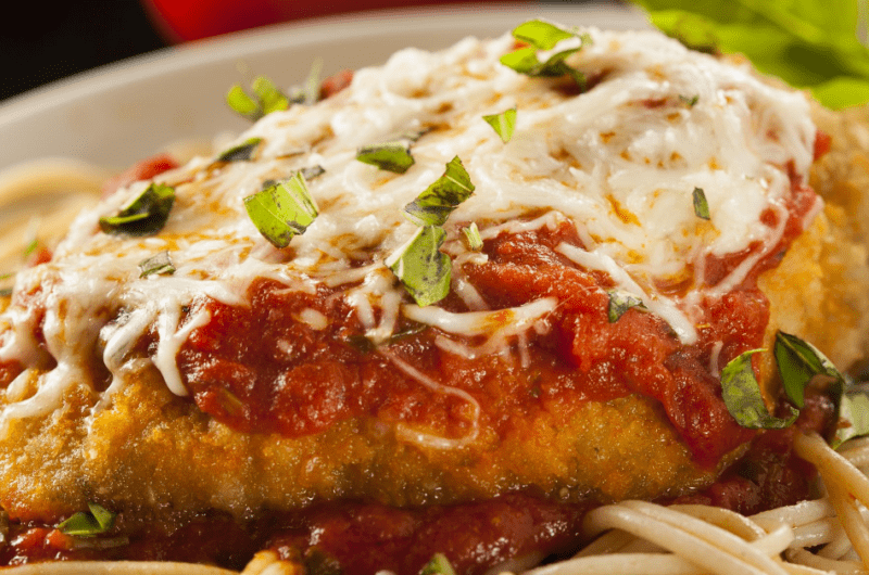 What to Serve with Chicken Parmesan (13 Best Side Dishes)