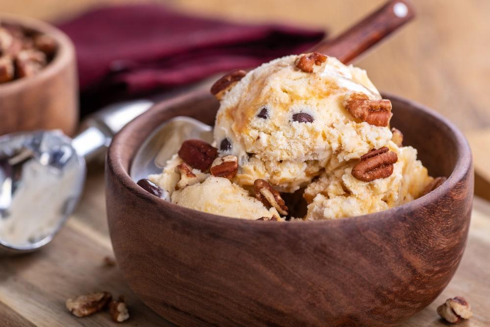Homemade Pralines 'N Cream Ice Cream