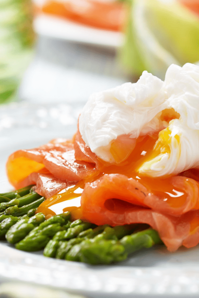 Smoked Salmon with Asparagus and Poached Egg