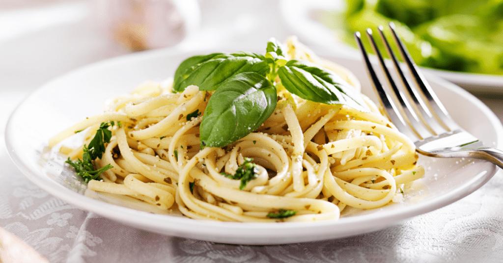 Italian Spaghetti With Pesto Sauce