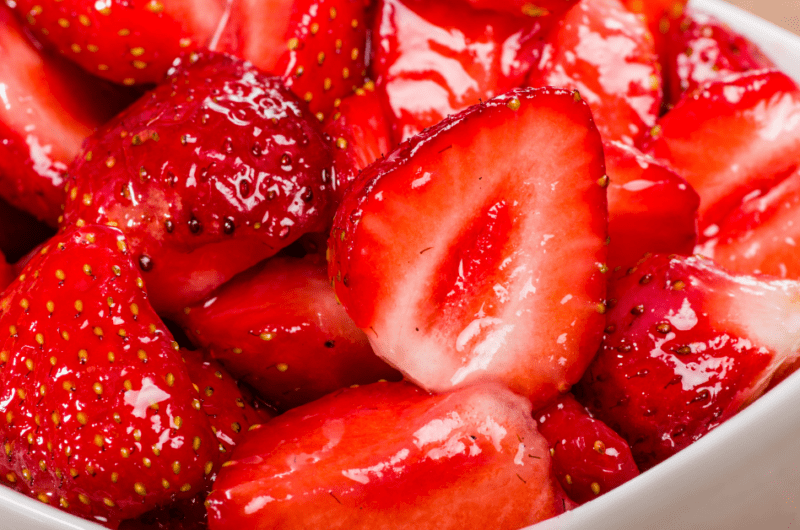 How to Make Strawberry Glaze