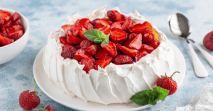 Pavlova Cake with Strawberries