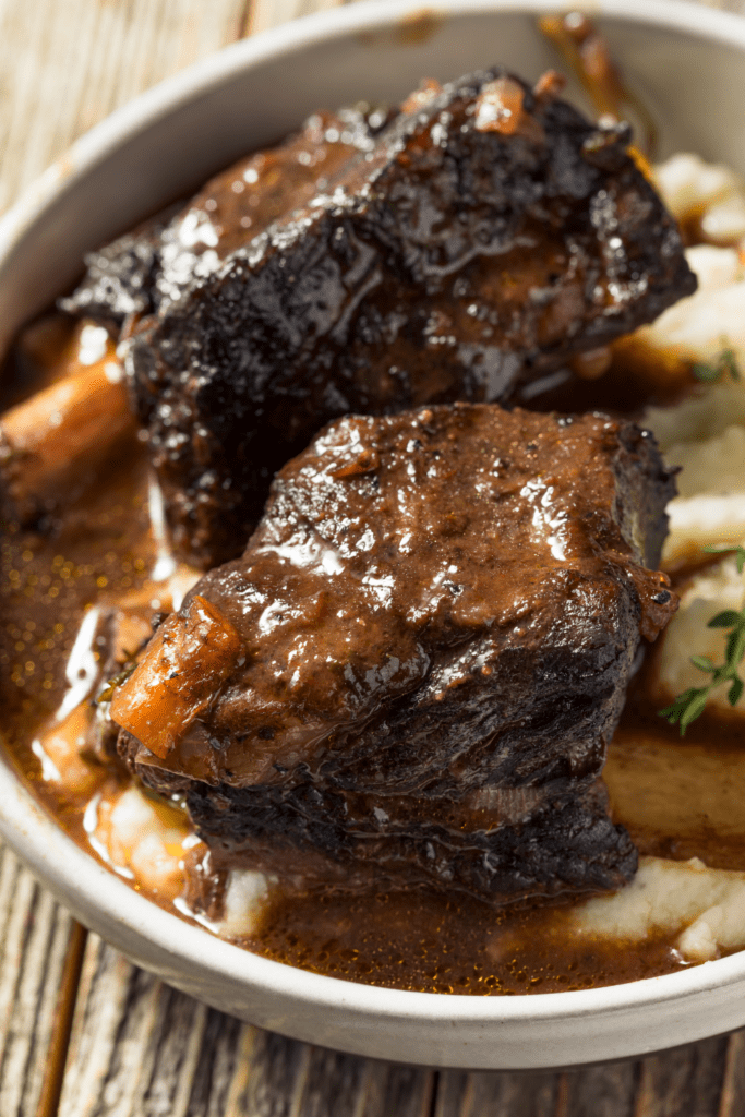 Braised Short Ribs with Mashed Potatoes and Gravy