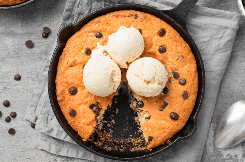 30 Best Cast Iron Skillet Desserts