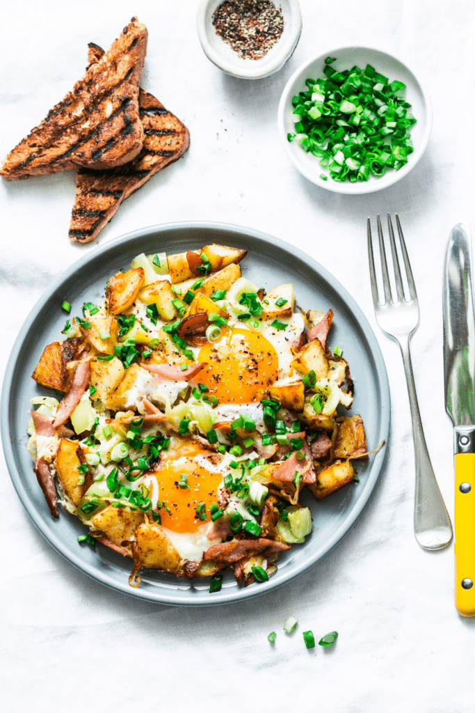 Breakfast Ham and Egg Hash with Potatoes
