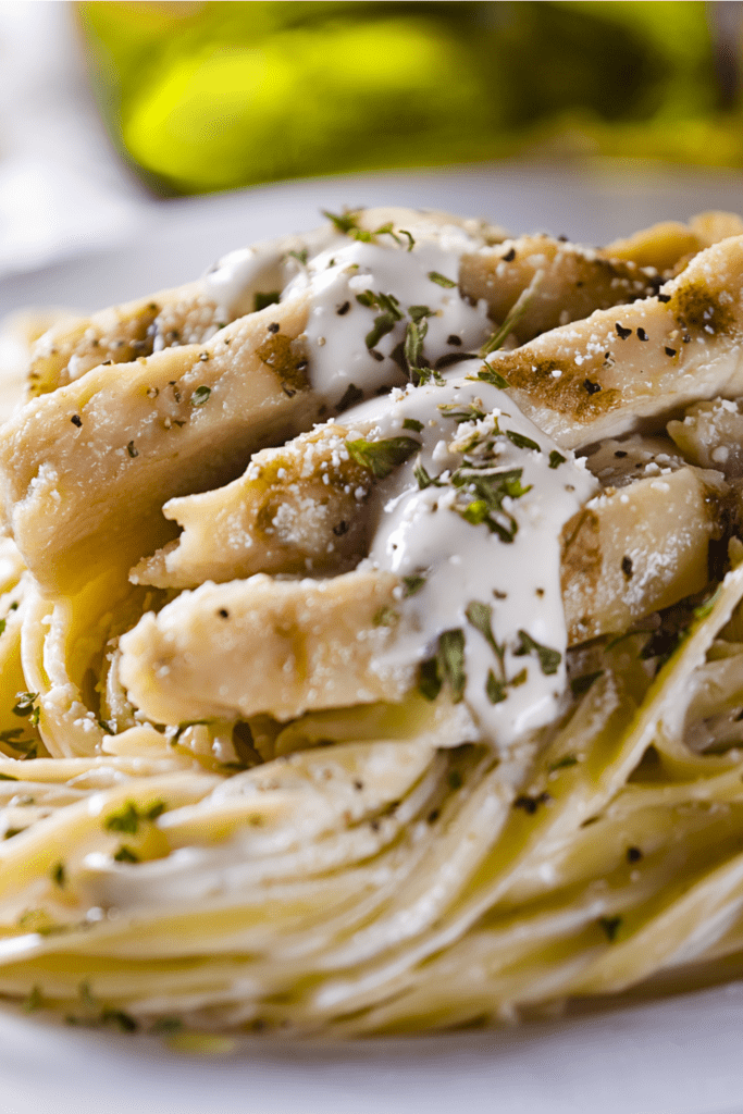Pasta with Alfredo Sauce and Chicken