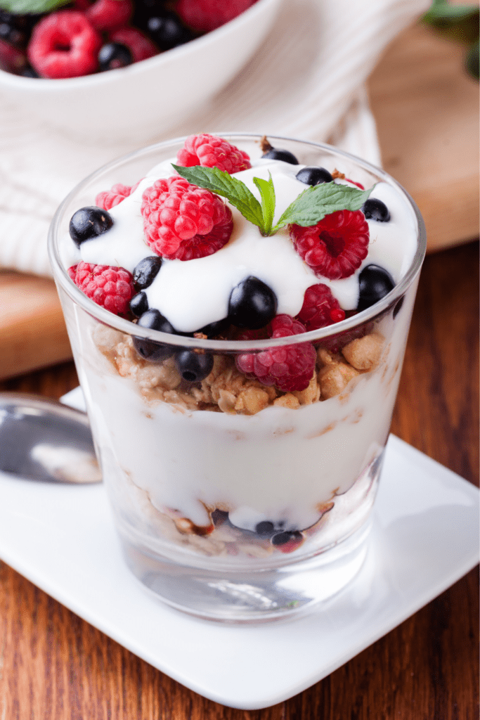 Yogurt Parfait with Berries