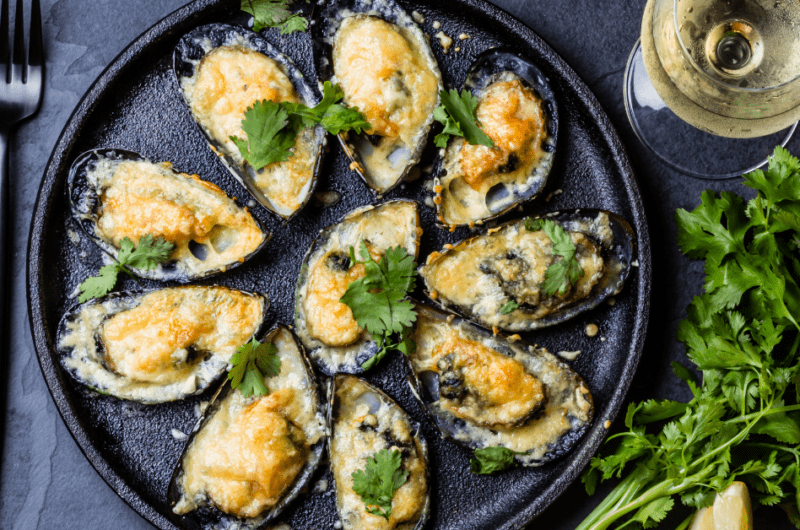 What to Serve with Mussels (20 Easy Ideas)