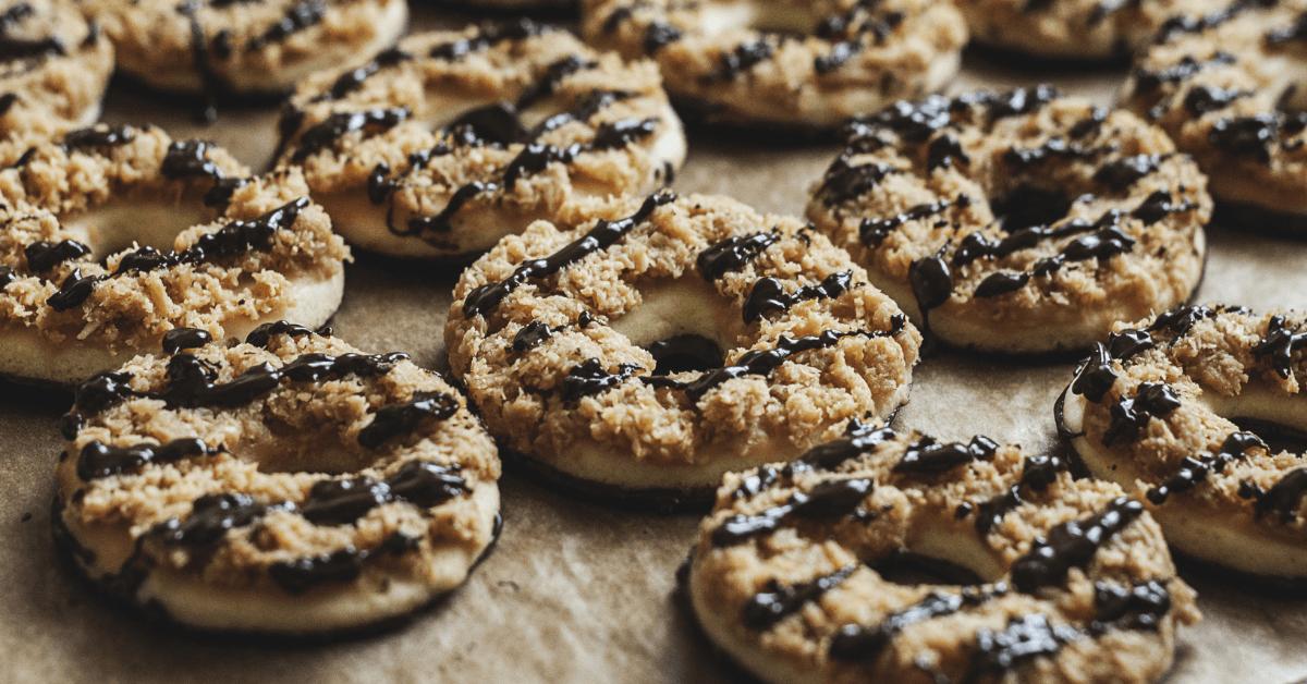 Samoan Dessert: Coconut and Caramel Cookies