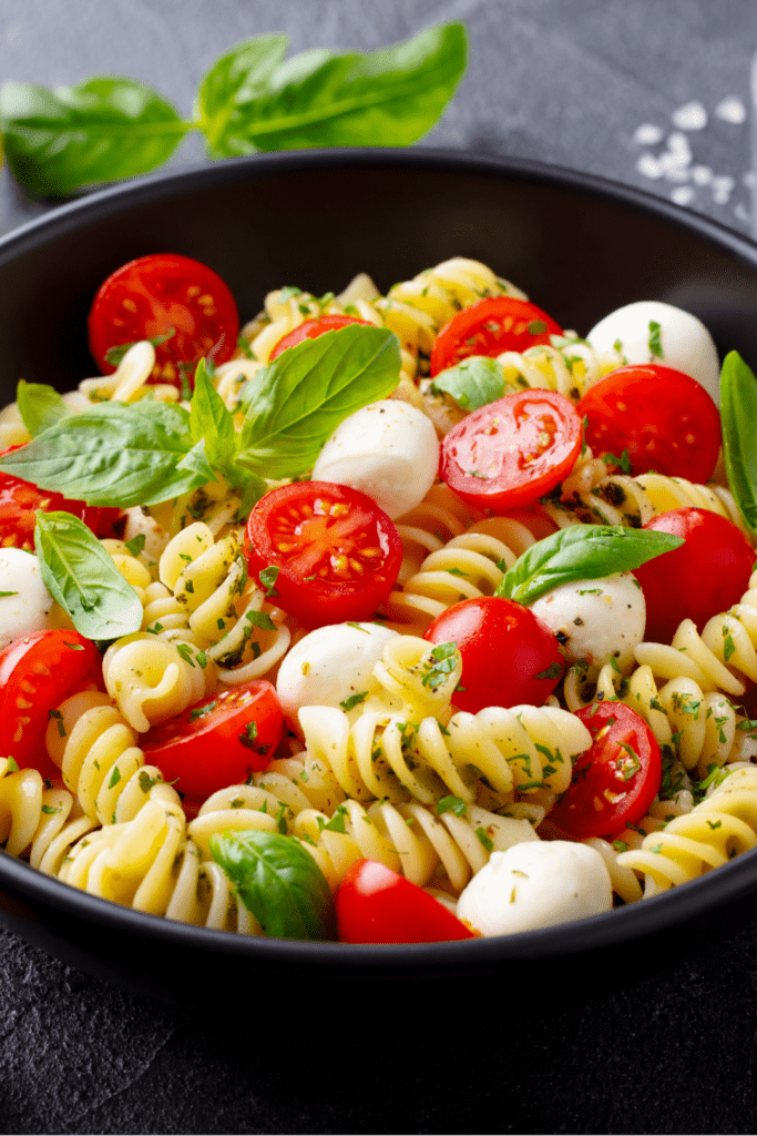Fusilli Pasta with Tomatoes and Cheese