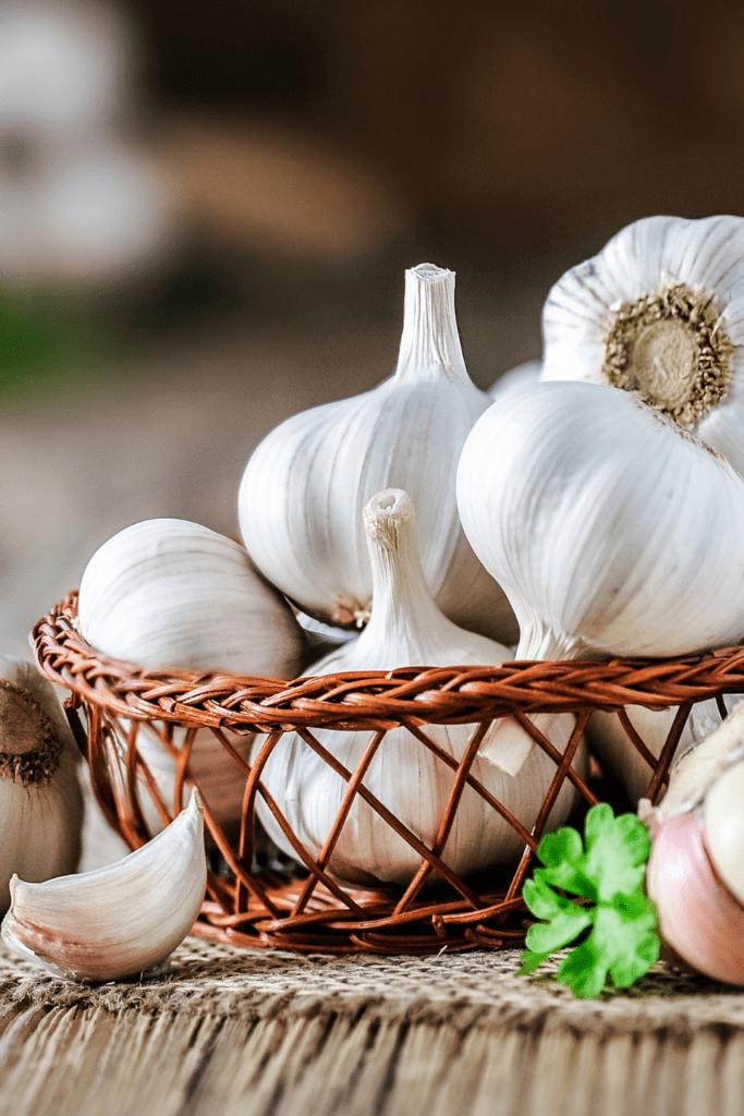 Raw Organic White Garlic