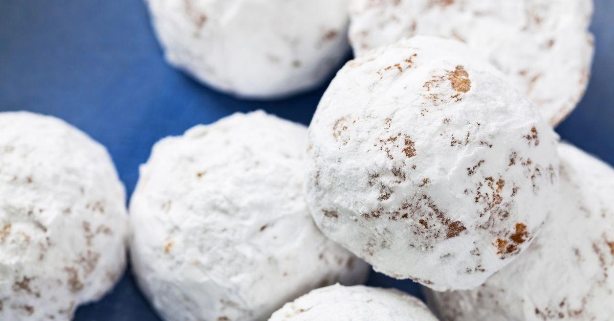 Homemade Eskimo Cookies with Powdered Sugar