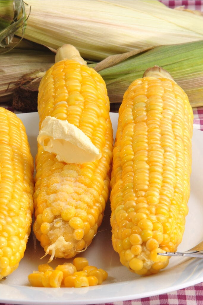 Boiled Corn on the Cob with Butter and Salt
