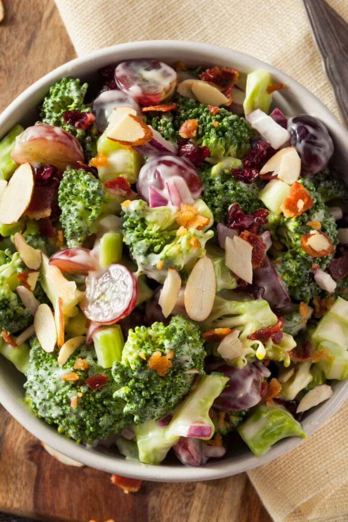Broccoli Salad with Grapes and Onions