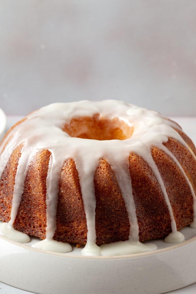 Bundt Cake with Vanilla Icing