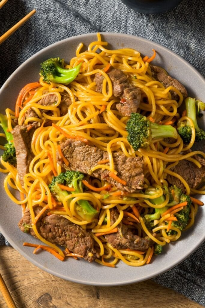 Chinese Lo Mein Noodles with Pork and Vegetables