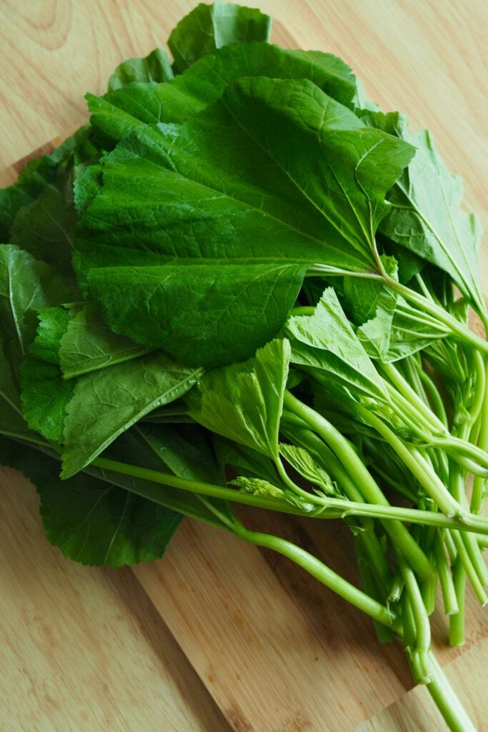 Raw Mallow Leaves