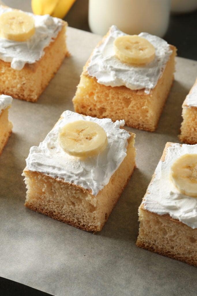 Banana Cake with Fresh Bananas