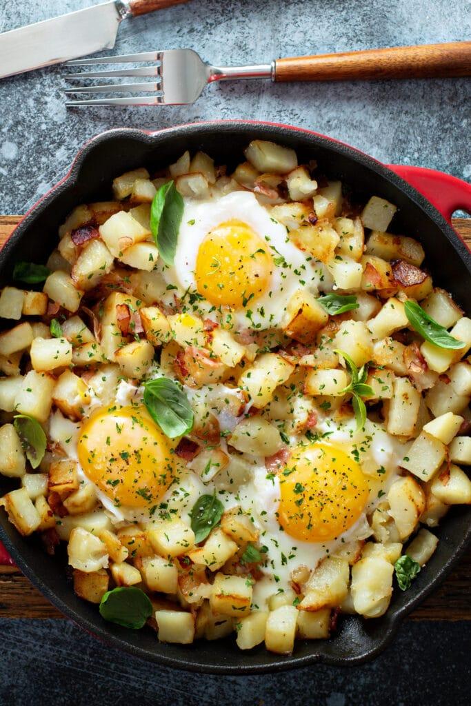 Breakfast Potatoes with Eggs