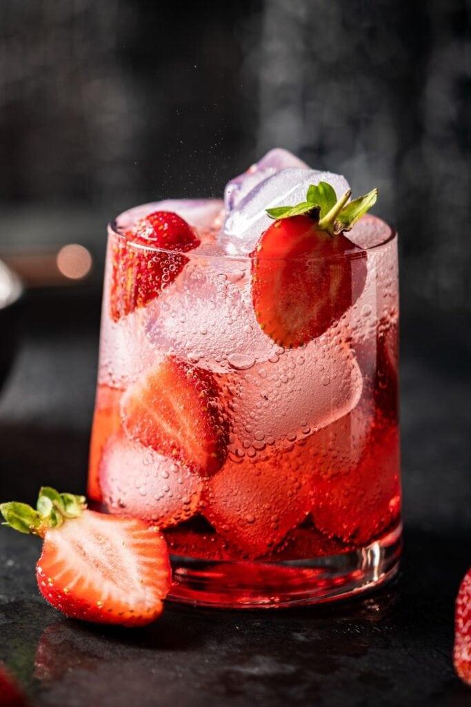 Cold Strawberry Mojito