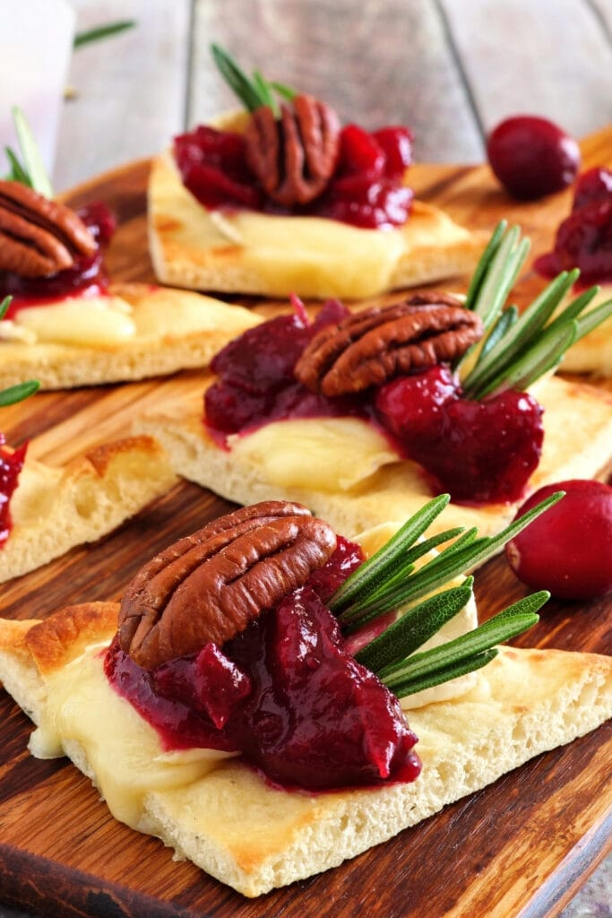 Flatbread Appetizer with Cranberry, Brie Cheese and Pecans