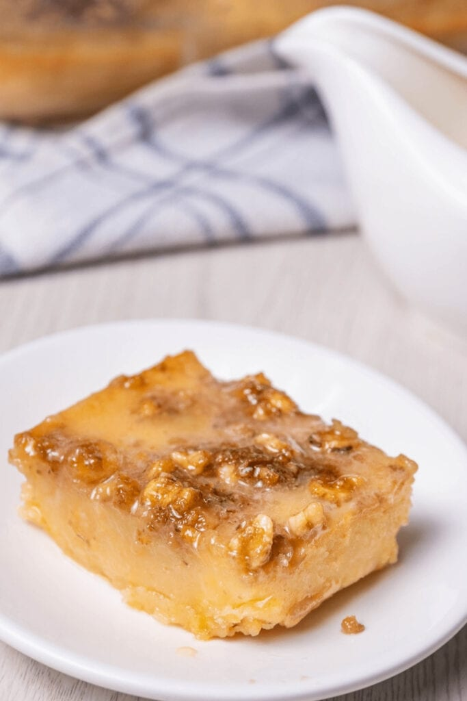 Homemade Caramelized Granny Cake with Nuts