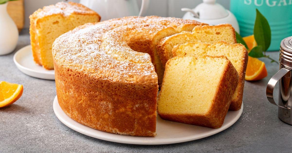 Homemade Vanilla Pound Cake with Powdered Sugar