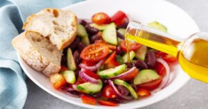 Spanish Salad with Vegetables, Red Beans and Bread
