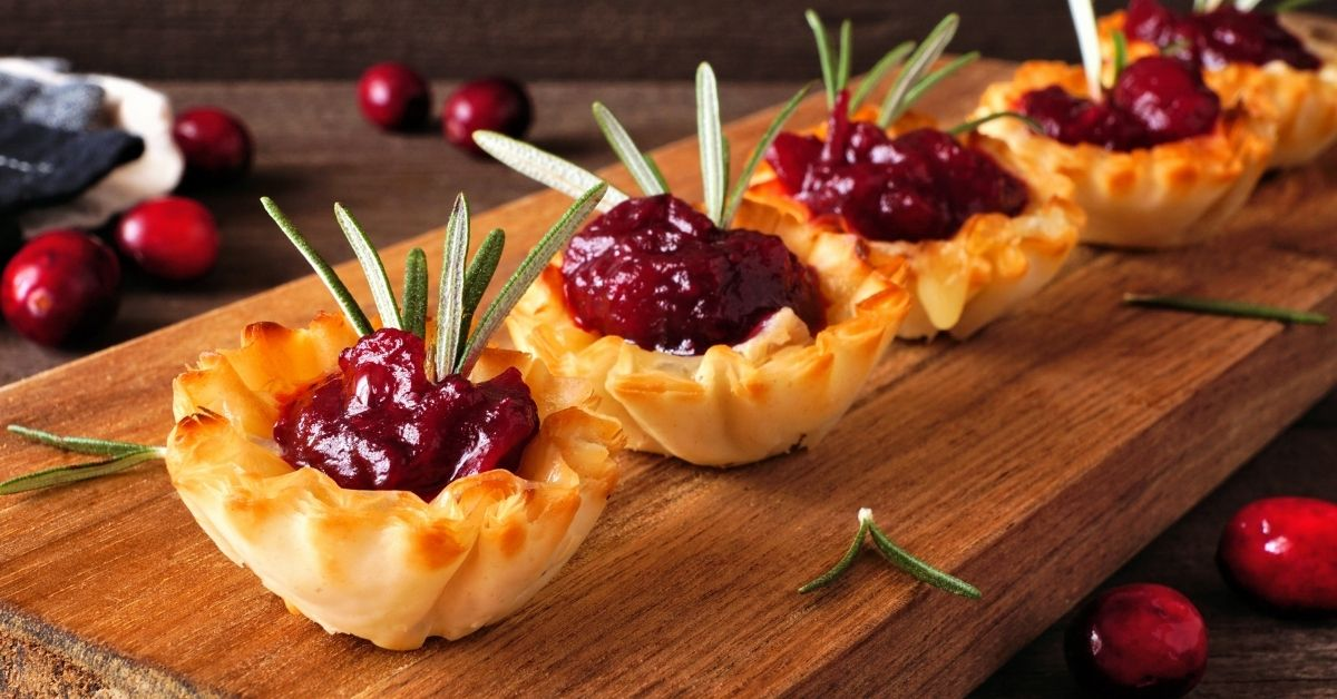 Appetizing Cranberry Brie Phyllo Cups