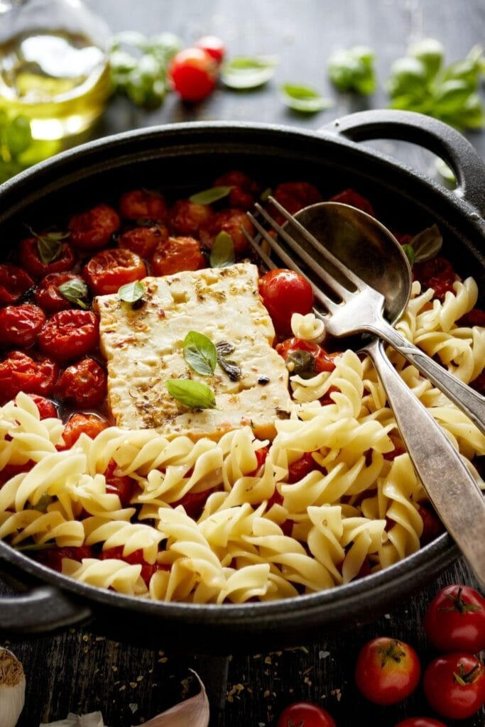 Baked Feta Pasta with Cherry Tomatoes