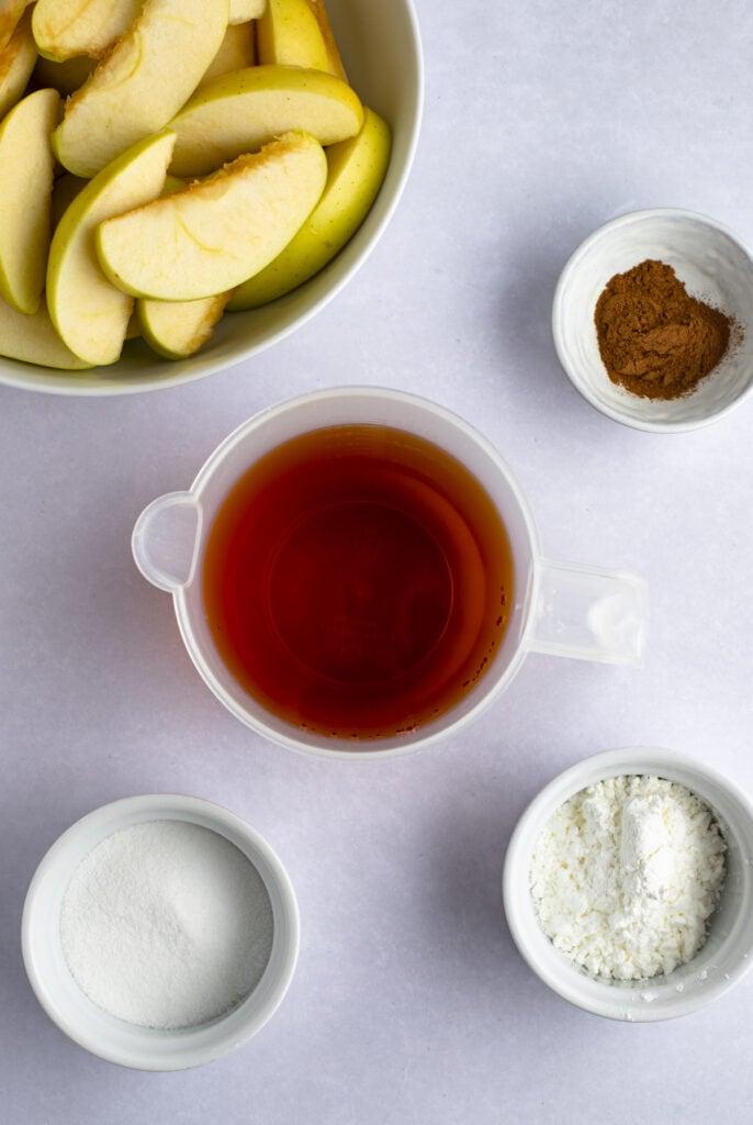 Cracker Barrel Fried Apples Ingredients: Apple Juice, Cornstarch, Sugar, Apple Pie Spice and Sliced Green Apples