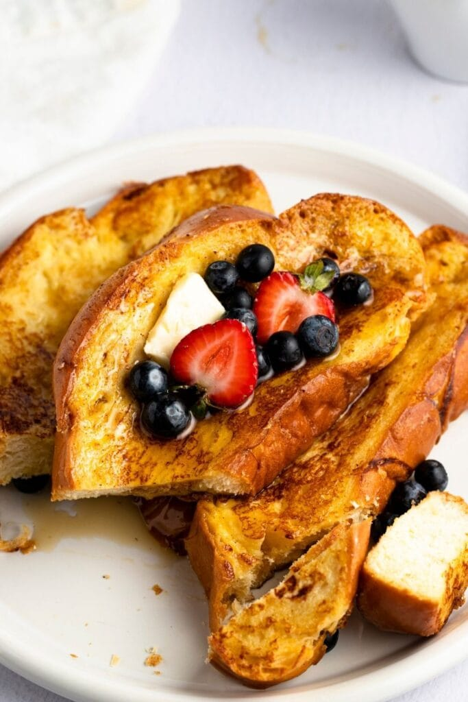 French Toast with Berries and Butter