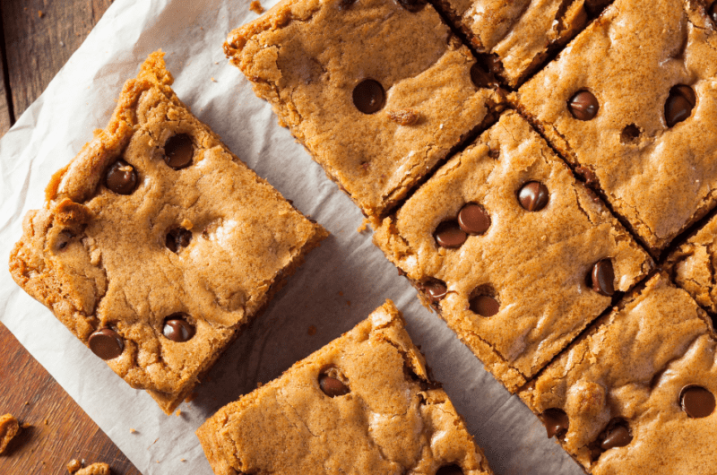 30 Easy Chocolate Chip Desserts