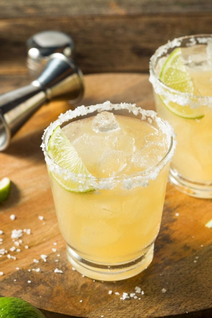 Refreshing Tequila Margarita with Lime