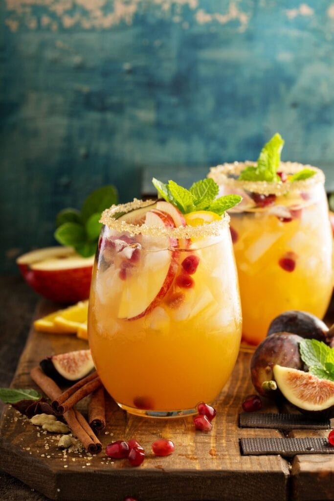 Apple and Sangria Cocktail with Figs