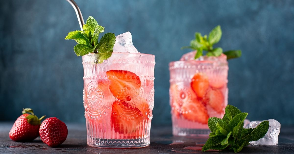 Cold Strawberry Cocktail with Fresh Strawberries and Mint
