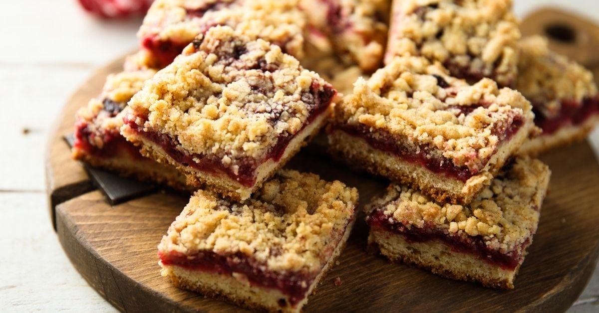 Sweet Cranberry Crumble Bars