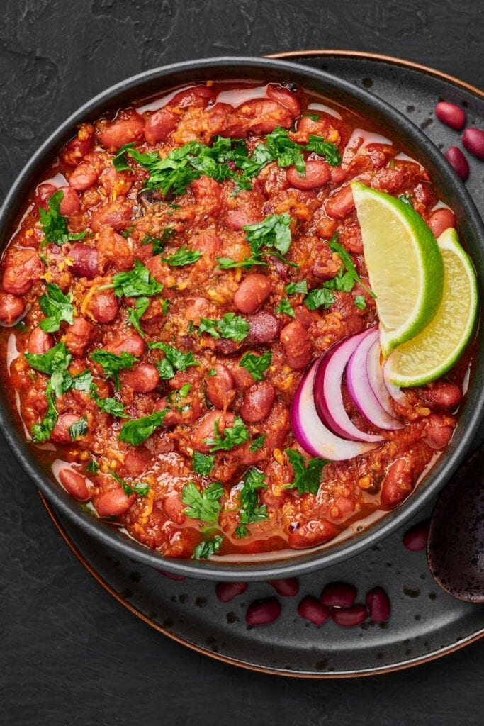 Kidney Bean Curry with Lime and Onions